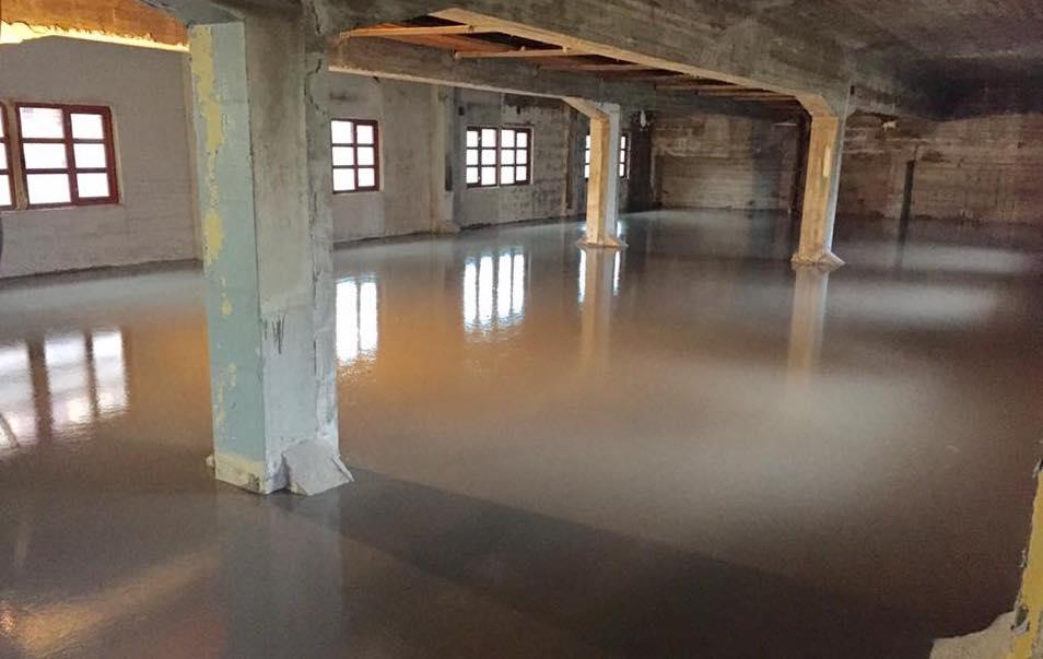 Nytt gulv er på plass